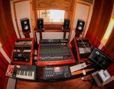 Studio-uno-mesa.jpg